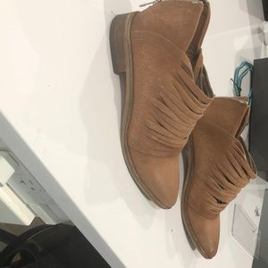 Cool ankle shoes. Leather
